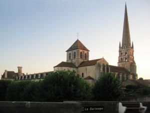 Abbaye_Saint-Savin-sur-Gartempe_2006-07-10_3
